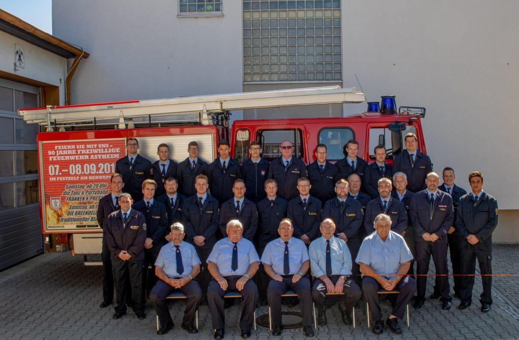 Die Einsatzabteilung und die Alters und Ehrenabteilung der FFW-Astheim - Sommer 2019